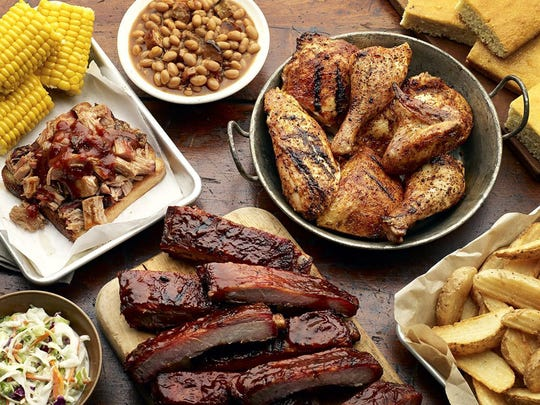 Famous Dave's offers an assortment of bbq.