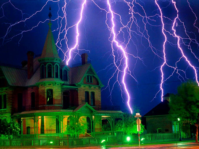 Lightning strikes over the historic Rosson House in Phoneix in 1989.