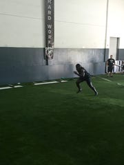 Indianapolis Colts running back Frank Gore works out