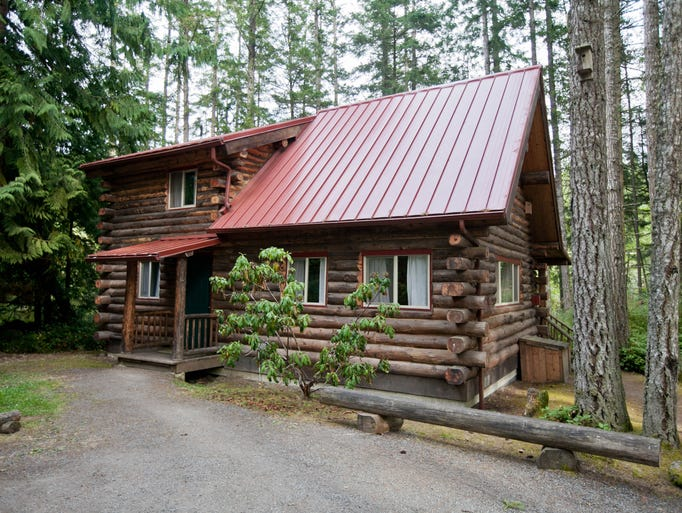 Snuggle up in a cozy cabin rental for Cozy cabins rentals