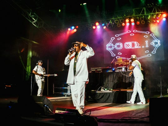 Coolio performing live at the I Love The 90's concert
