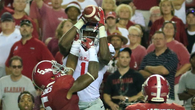 Florida cornerback Vernon Hargreaves III is looking forward to being matched up with Rebels' wide receiver Laquon Treadwell.