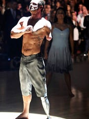 """""""Noah Galloway performs during the finals of 'Dancing"""