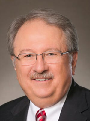Larry J. Miller will retire as CEO and president of PeoplesBank in March.