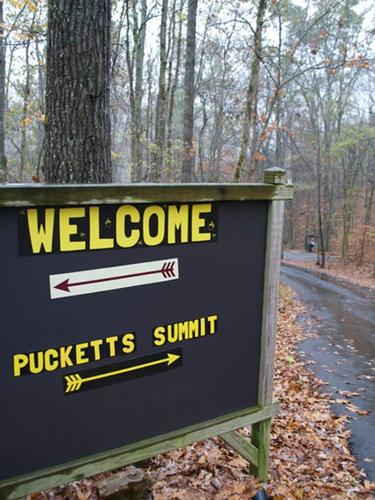 635902075210034232-pucketts-summit1.jpg