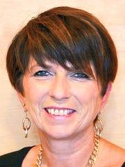 Julie Lavetan