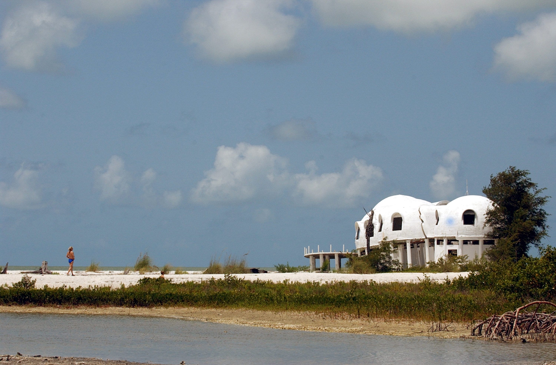 The rise decay of Cape Romanou0027s dome