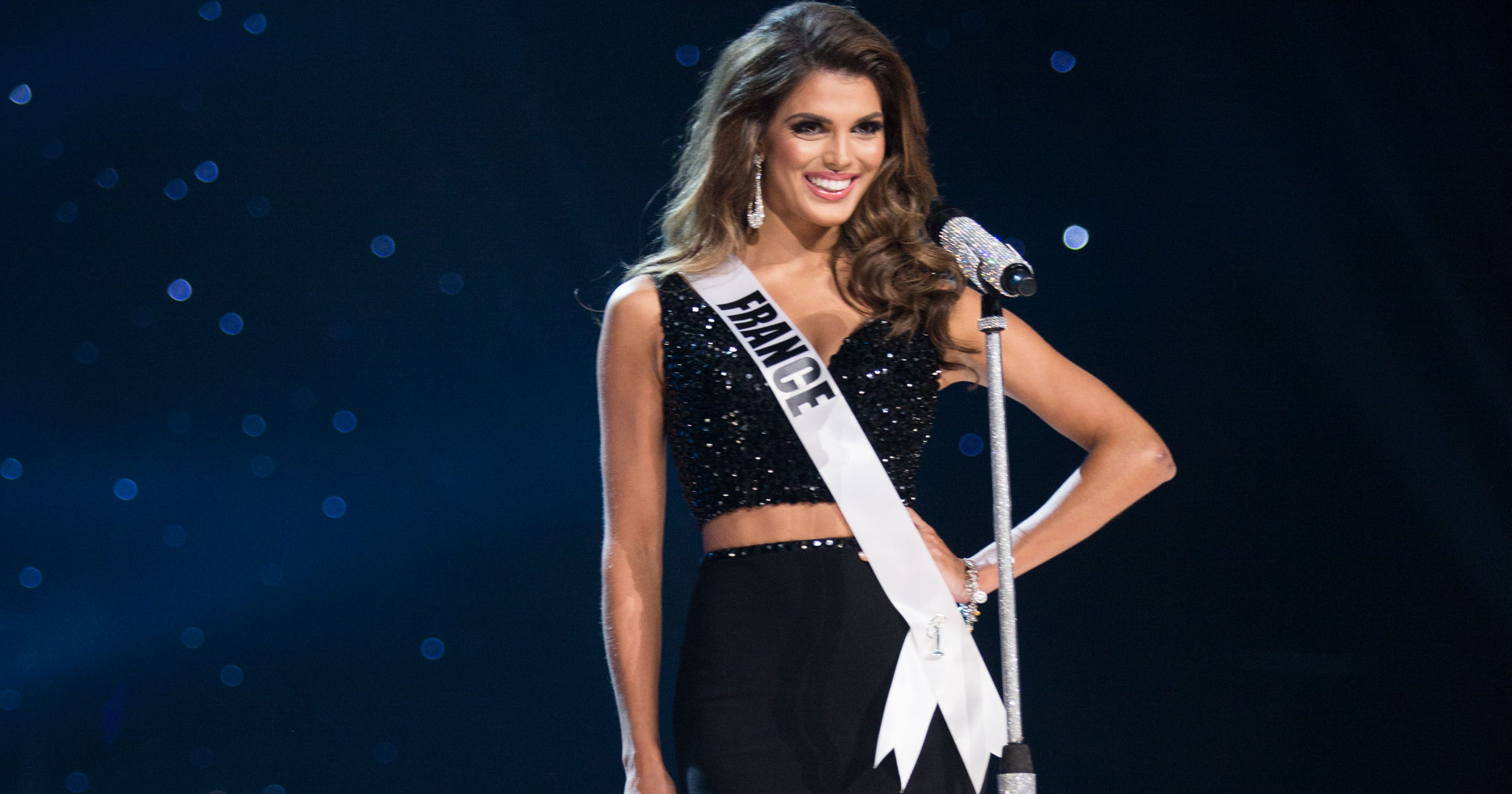 miss france iris mittenaere is crowned miss universe 2017. Black Bedroom Furniture Sets. Home Design Ideas