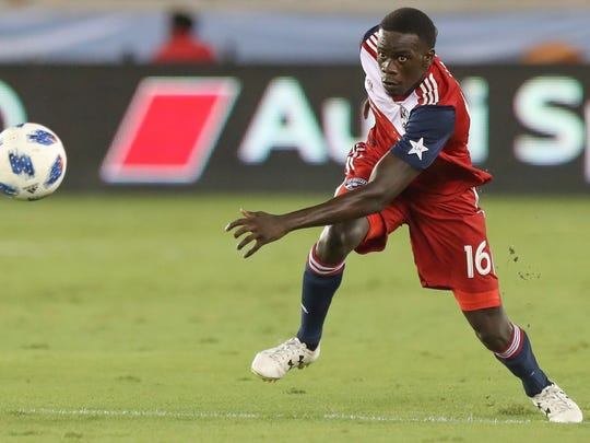 FC Dallas Dominique Badji (16) moves the ball upfield during the team's MLS soccer match against the Houston Dynamo on Thursday, Aug. 23, 2018, in Houston. (Steve Gonzales/Houston Chronicle via AP)