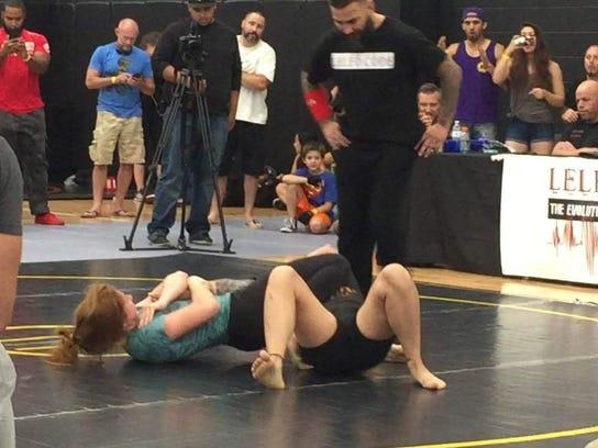 Stephanie Baur Brazilian jiu jitsu armbar