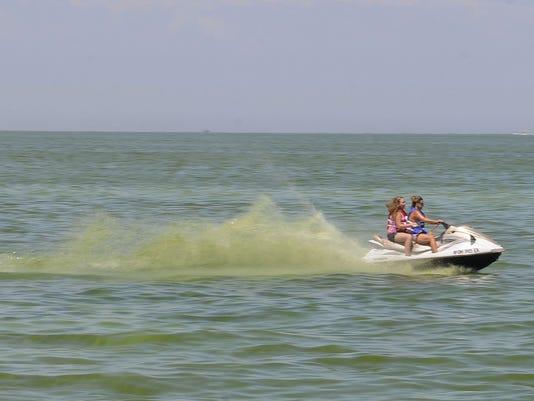 Algae-jet-ski.jpg