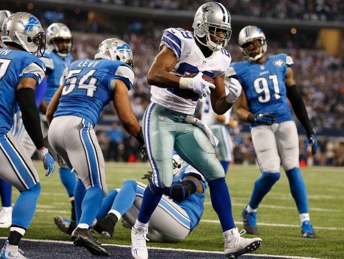 Dallas Cowboys running back DeMarco Murray (29) scores