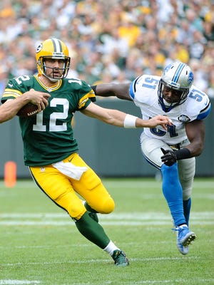 Aaron Rodgers picked apart the Lions' defense in the first half last week.