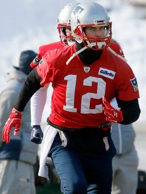 Patriots QB Tom Brady didn't discuss his injured hand on Friday.