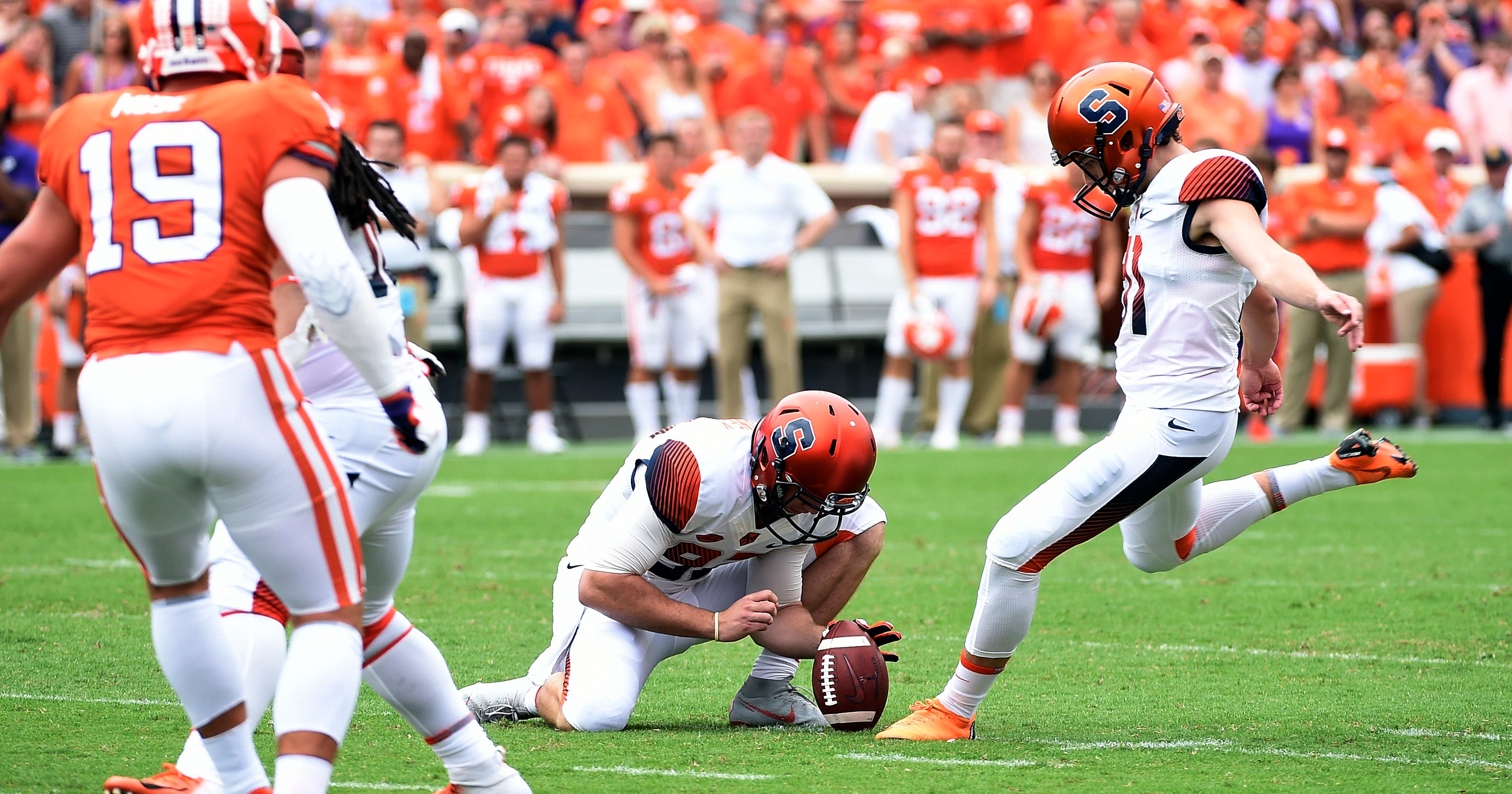 No  19 Syracuse gets major kick out of Andre Szmyt