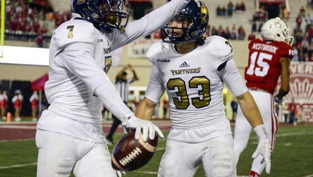 Florida International Golden Panthers cornerback Jeremiah McKinnon (7) will be a player to watch in the FIU secondary.