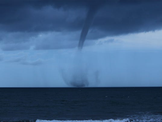 Waterspout2