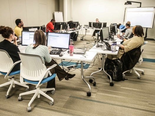 Employees Work Together On In Call Center Training Ascension Health Ministry Service 4040
