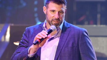 How Titans coach Mike Vrabel will try to get most out of Marcus Mariota