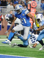 Lions' Ameer Abdullah cuts his way into the end zone but the play is called back on an offensive penalty in the first quarter.