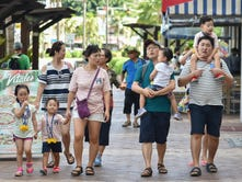 More tourists, but fewer from Japan