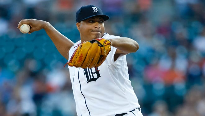 Detroit Tigers starter Alfredo Simon pitches in the first inning against the Cleveland Indians on Sept. 5, 2015, at Comerica Park.