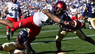 Cincinnati Bearcats running back Gerrid Doaks dives for a touchdown against Navy this past Saturday. With Mike Boone out, Doaks has been the primary UC ball carrier.