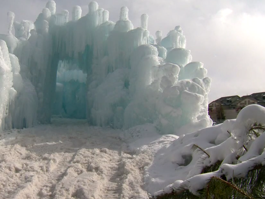 636526107369149234-dillon-ice-castles.PNG