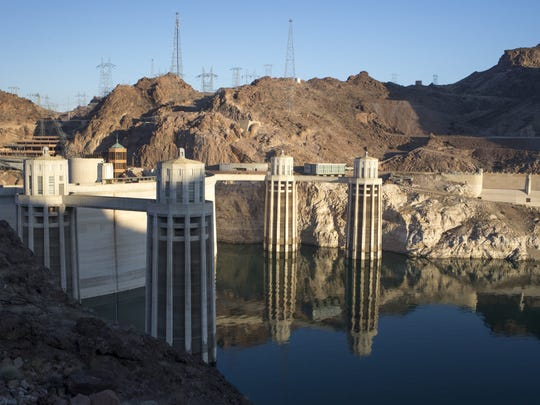 """At Hoover Dam in June, a light-colored """"bathtub ring"""""""