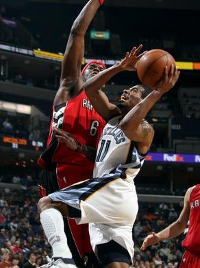 Toronto Raptors forward Jermaine O'Neal (6) defends