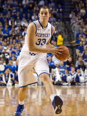 Kentucky forward Kyle Wiltjer (33) passes the ball during the game against the Northwood Seahawks at Rupp Arena.