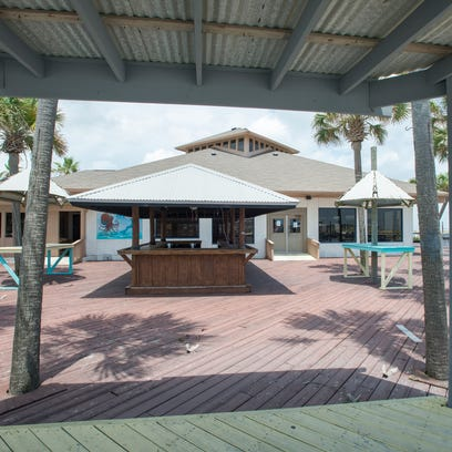 The currently vacant restaurant at 8649 Gulf Blvd.