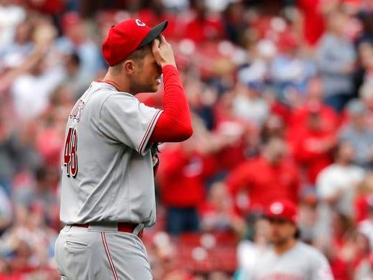 636599276841003039-Reds-Cardinals-Baseball.jpg