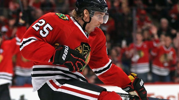 Dale Weise played 15 games for the Chicago Blackhawks last season.