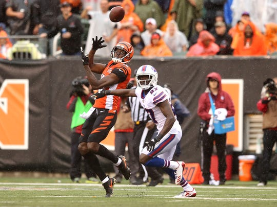A.J. Green makes one of the Bengals' eight deep ball catches in 2017 against Buffalo.