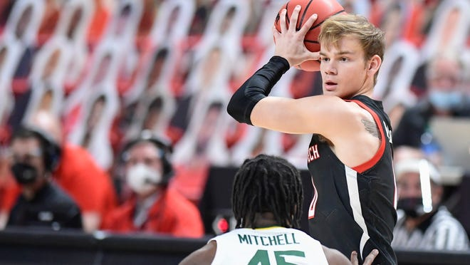 Texas Tech guard Mac McClung, right, scored a season-high 24 points in the Red Raiders' 68-60 home loss Saturday to No. 2 Baylor. McClung, who also scored 22 points including the game-winning shot in a 79-77 Tech victory Wednesday at then-No. 4 Texas, has been named the Big 12 men's basketball player of the week.