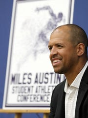 Former Dallas Cowboys star Miles Austin hosts a Q&A
