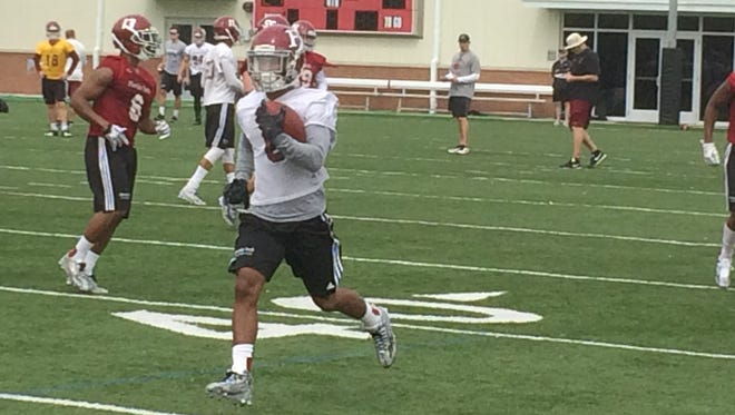 Florida Tech running back Antwuan Haynes makes a run down the sidelines during spring camp.