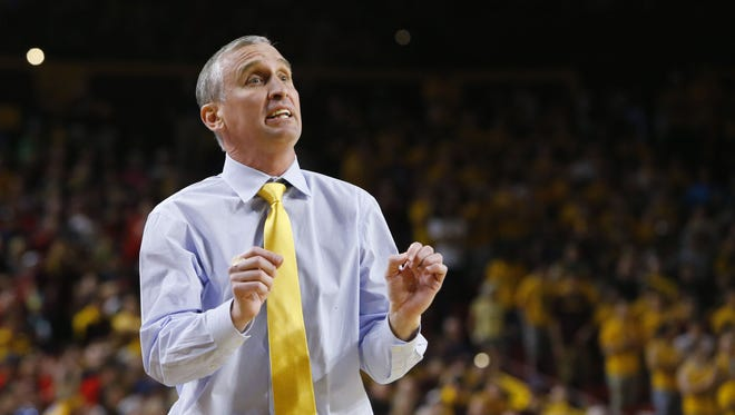 Arizona State Sun Devils head coach Bobby Hurley yells to his team during the second half of their NCAA basketball game Saturday, Mar. 4, 2017 in Tempe, Ariz.
