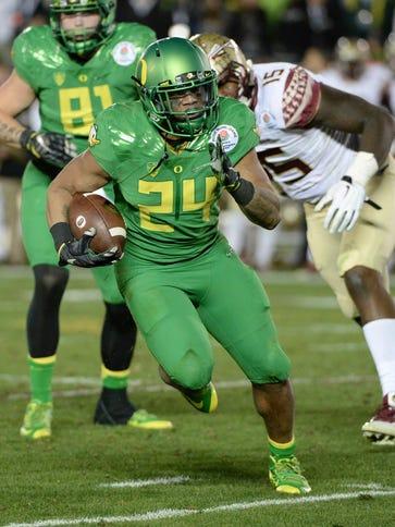Oregon Ducks running back Thomas Tyner (24)