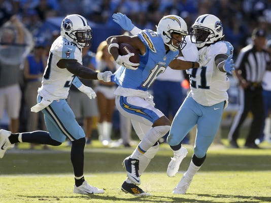 Titans Chargers Footb_Read