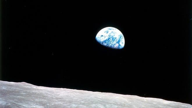 Earth rise.
