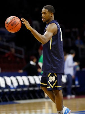 Notre Dame's Demetrius Jackson warms up during practice March 24, 2016, in Philadelphia.