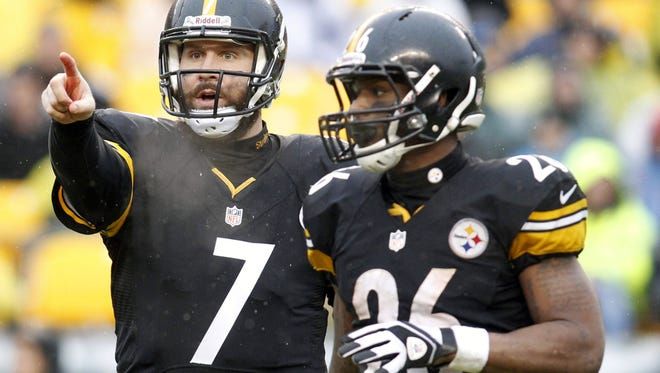 Steelers QB Ben Roethlisberger (7) and RB Le'Veon Bell both missed chunks of time in 2015.