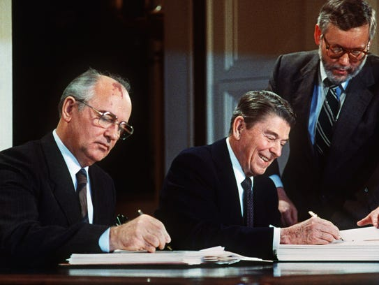 Whats the arms race a short history on dec 8 1987 soviet leader mikhail gorbachev and platinumwayz
