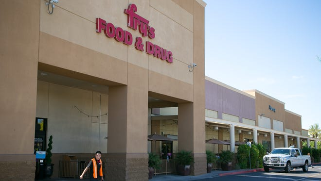 4. Fry's Food Stores: 518employees.