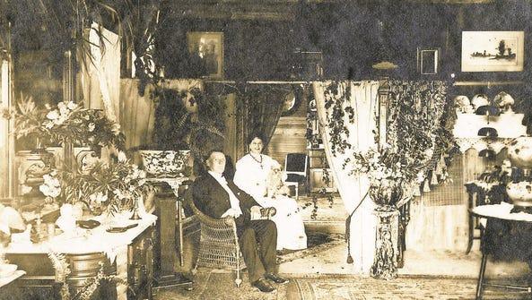 Koreshan Unity leaders Cyrus Teed (Koresh) and Annie