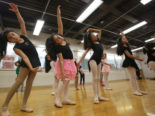 Elementary students learn ballet in after-school program
