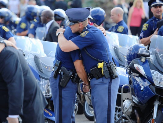 635767254503445172-State-trooper-funeral-16
