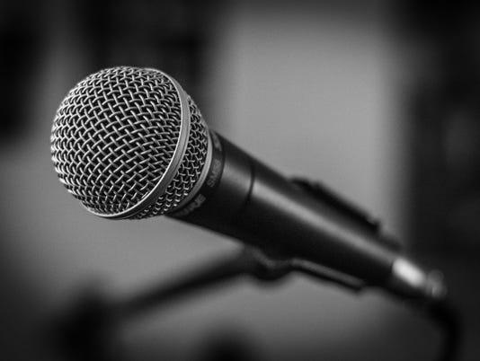 636606689150756107-microphone-1505182-1920.jpg